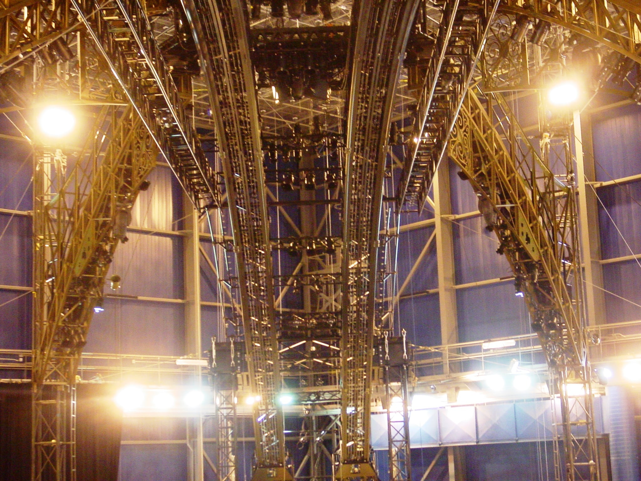 La patience - Overstage rigging structure